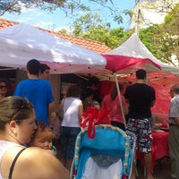 Photo taken at Yakisoba Da Pracinha Do Dalben by Liselene B. on 8/10/2013