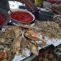 Photo taken at Pasar Tarandam by Feisal F. on 7/1/2016