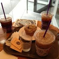 Photo taken at The Coffee Bean & Tea Leaf by Yunha K. on 9/6/2013