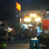 Photo taken at Ayam bakar bulungan by Ibnu S. on 3/31/2013