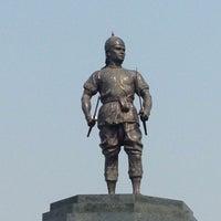 Photo taken at Phraya Pichai Dab Hak Monument by oP H. on 4/3/2016