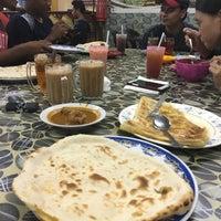 Photo taken at Kedai Roti Tempayan by Alya M. on 8/5/2016
