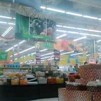 Photo taken at Giant Hypermarket by Dinny A. on 4/13/2013