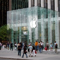 Photo taken at Apple Store, Fifth Avenue by Christian V. on 7/17/2013