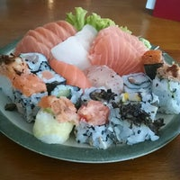 Foto tirada no(a) Maru Sushi por Cleber S. em 5/7/2014