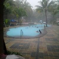 Photo taken at Bar & Resto Jayakarta Hotel & Resort by queeny q. on 1/1/2013