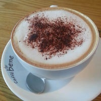 Photo taken at Caffé bene by Dan ㅇ. on 2/20/2014