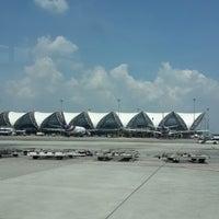 Photo taken at Suvarnabhumi Airport (BKK) by Beer P. on 10/13/2013
