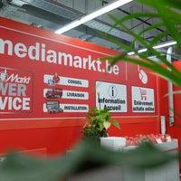 Photo taken at Media Markt by Frédéric R. on 5/31/2013