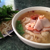 Photo taken at Phở Thái Hùng by Katie A. on 9/23/2013