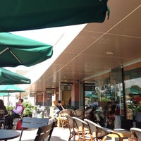 Photo taken at Starbucks by Manú Bunny G. on 10/30/2013