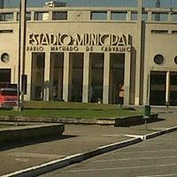 Photo taken at Estádio Municipal Paulo Machado de Carvalho (Pacaembu) by Otávio B. on 5/4/2013