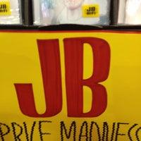 Photo taken at JB Hi-Fi by OrganicManDigitalWorld on 5/11/2013