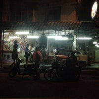 Photo taken at San Ka Pah 2 by Lorraine H. on 12/19/2013
