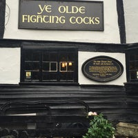 Photo taken at Ye Olde Fighting Cocks by Regina L. on 6/23/2016