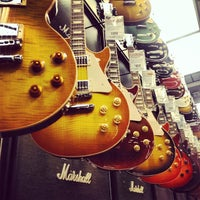 Photo taken at Guitar Center by Carissa G. on 9/28/2013