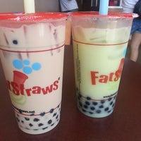 Photo taken at Fat Straws Bubble Tea & Juice by Grace E. on 6/9/2013