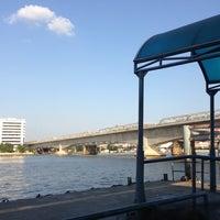 Photo taken at ท่าเรือพระราม 7 (Rama 7 Pier) N24 by Patcha🌾 on 12/13/2012