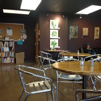 Photo taken at Mountain Mama Natural Foods by Don K. on 3/1/2014