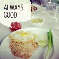 Photo taken at Sweet Pea by Ar-non D. on 7/23/2013