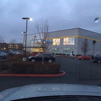 Photo taken at 24 Hour Fitness by Kristi J. on 2/1/2014