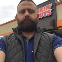 Photo taken at Dunkin' Donuts by Yunus A. on 10/23/2016