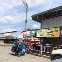Photo taken at ตลาดสดเพชรอารี@ Petch-aree Market by ao a. on 10/12/2015