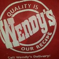 Photo taken at Wendy's by masDIYOSAako on 2/8/2014