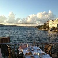 Photo taken at Kıyı Emniyet Restaurant by Cenk G. on 8/4/2013