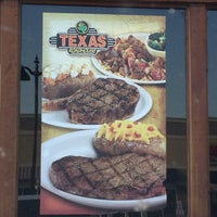 Photo taken at Texas Roadhouse by Kyle K. on 7/10/2013