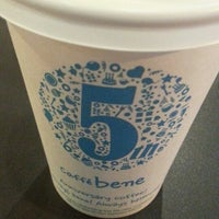 Photo taken at Caffé bene by Daesung P. on 6/18/2013