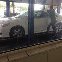 Photo taken at Los Feliz Hand Car Wash by Loraine on 10/10/2013