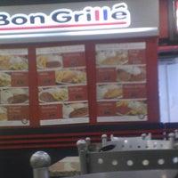 Photo taken at Bon Grillê by Marcelo R. on 2/14/2014