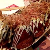 Photo taken at Gindaco (กินดาโกะ) 銀だこ by Pinku N. on 12/11/2012