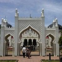 Photo taken at Masjid Raya Baiturrahman by Pangeran P. on 9/28/2012
