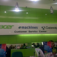 Photo taken at Acer Customer Service Center (ACSC) by Randy ランディアルト on 8/27/2013