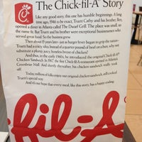 Photo taken at Chick-fil-A by Bernice Y. on 10/12/2012