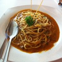 Photo taken at RASA Food Arena (Medan Selera) by Roszia W. on 10/5/2012