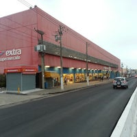 Photo taken at Extra Supermercado by Luiz Claudio C. on 8/20/2013