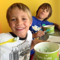 Photo taken at Tutti Frutti Frozen Yogurt by Laura B. on 7/24/2013