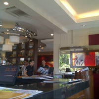 Photo taken at Pizza Hut by Wulan AS on 3/28/2013
