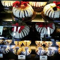 Photo taken at Nothing Bundt Cakes - Manhattan Beach by Alberto M. on 12/24/2014