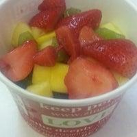 Photo taken at Zinga! Frozen Yogurt by Yvonne D. H. on 8/11/2013