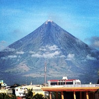 Photo taken at Embarcadero de Legazpi by Brian O. on 12/7/2012