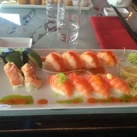 Photo taken at Raw Sushi & Grill by Maral K. on 8/24/2014