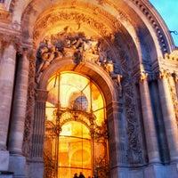 Photo prise au Grand Palais par Azhar A. le12/23/2012