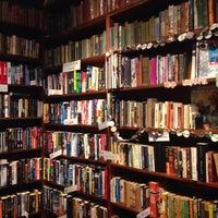 Photo taken at Sappho Books, Cafe & Wine Bar by Felipe H. on 7/21/2016