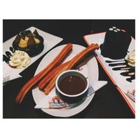 Photo taken at Chocolateria San Churro by Donevie d. on 6/14/2014