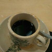 Photo taken at Kimteng Coffee by Isnaini B. on 8/8/2015