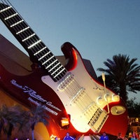 Photo taken at Rock 'N' Roller Coaster Starring Aerosmith by Shawn H. on 5/19/2013
